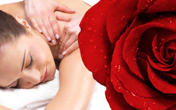 149 Kč za 30 min. klasickou masáž zad a šíje s vůní růže. Dopřejte si masáž luxusním olejem s vůní růží. Budete odcházet jako znovuzrozená! HyperSleva 50 %.