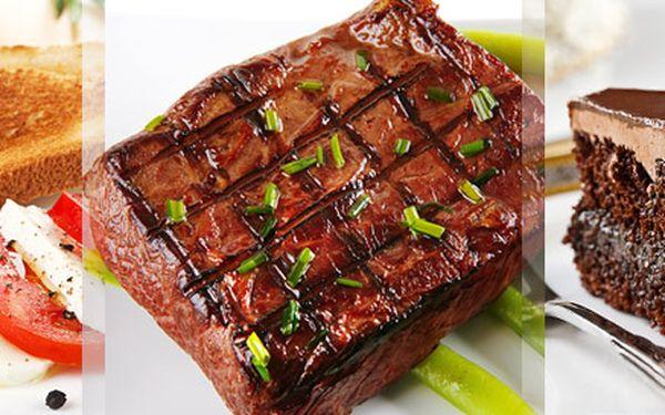 328 Kč za bohaté tříchodové menu pro DVA. Lahodné steaky z vysoké kotlety, libovolná příloha, marinovaná mozzarella s rajčaty i sacher dort.