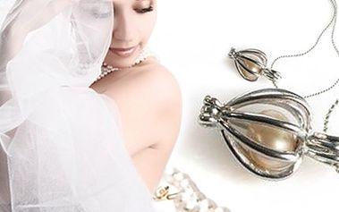 PERLA přání s ŘETÍZKEM: originální dárek pro nejbližší Dárkové balení obsahuje lasturu s perlou uvnitř a měděný pokovený řetízek s přívěskem. Obdarovaný si tak sám jedinečnou perlu vyjme a vloží do přívěsku.