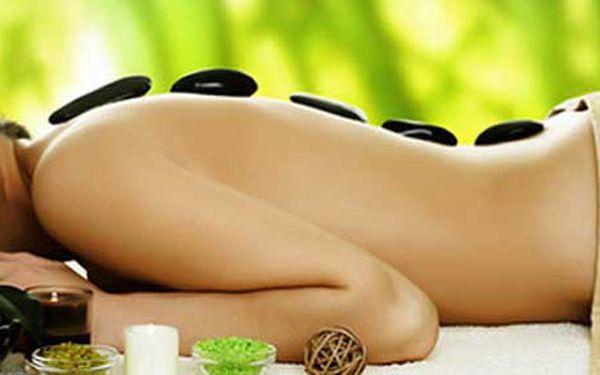 Masáž lávovými kameny - masáž jednotlivých částí těla, střídavě kameny i bez nich. Pro maminky možnost využití dětského koutku.