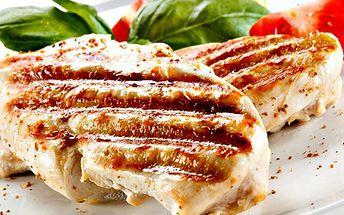 Grilovaný plátek a hranolky pro DVA! Vyberte si kuřecí nebo vepřové maso a způsob přípravy. Dobrou chuť!