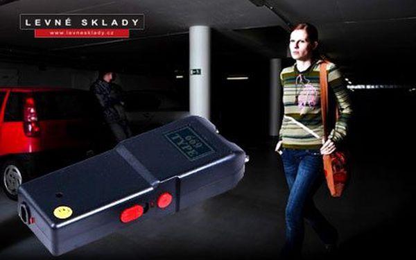 Výkonný mini paralyzér – výkon 800 000 voltů, se zvukovým efektem a LED světlem