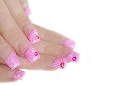 3x gelová modeláž + lakování + zdobení za cenu jedné! Mějte krásné a upravené ruce !