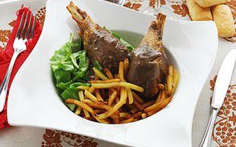 1 kg KRŮTÍCH STEHEN + 0,5 kg hranolek pro 2 - 4 osoby Ochutnejte pečené krutí stehno s hranolkami a americkým dresingem v útulné restauraci U Baláků. Neváhejte a vyrazte s přáteli za dobrým jídlem a pitím.