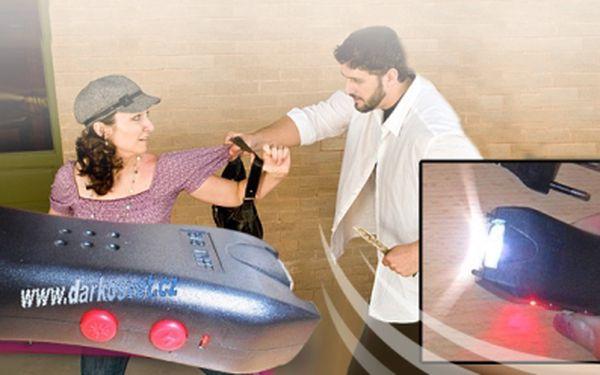 Elektrický MINI paralyzér se svítilnou - 500 000 V za 179 Kč včetně poštovného Vás ochrání kdekoliv a kdykoliv! Darujte dárek, který může zachránit život.