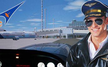 35 minut na profi leteckém trenažeru akrobatického letadla Zlín Z242L s instruktorem! Možnost výběru z 80 letišť nebo letadlová loď! Různé podmínky letu (déšť, vítr, turbulence, den, noc)!