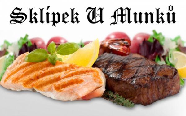 Veškerá hlavní jídla, zapečené speciality, rybí speciality, přílohy a dezerty se slevovým kupónem za pouhých 29 kč v restauraci U Munků, metro I.P. Pavlova!!