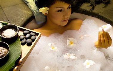 Privátní májová bylinná sauna pro DVA . Naprosté soukromí, 90min. sauna a koupel. Bonus: 2x revitalizační čaj. Prostory jen pro vás! Ručníky na místě