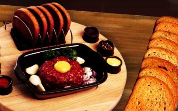 Lahodný 200g tataráček + 8 půlek topinek a 2x 0,25l česnekové polévky s bramborem za senzační cenu 130 Kč! Přijďte se nadlábnout do restaurace Medlenka se slevou 50%!