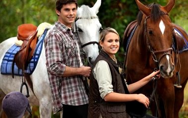 Hodinová jízda na koni! Překvapte partnera romantickou projížďkou na koni!