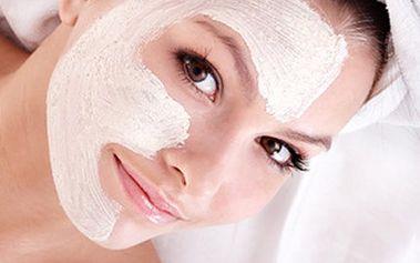 Turecká travertinová MASKA nebo maska s TURECKOU MASÁŽÍ Užijte si za 1 poukaz 30 minut travertinové masky nebo za 4 poukazy tureckou masku a 45 min. masáž hlavy. Nechejte o sebe pečovat, pročistit pleť a uvolnit tělo.