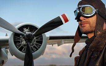 20 min PILOTEM akrobatického letadla Pilotování dvoumístného akrobatického letadla nad Orlíkem. 20 minut ve vlastních rukách a pod dohledem zkušeného instruktora. Jedinečný zážitek pro Vás či Vaše blízké.