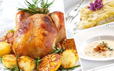 Luxusní jarní 4CHODOVÉ MENU: rozmazlete své chuťové buňky Tataráček z pečených paprik s řeřichou, salátem a parmezánovým toastem, chřestový krém, pečené kuřátko s bramborami a domácí rebarborový koláč. Jarní menu.