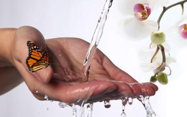 Mějte krásně upravené a zdravé ruce! Extra nabídka na P-shine přírodní manikúru plus parafínový zábal na ruce za skvělých 169 Kč! Sleva 62%!