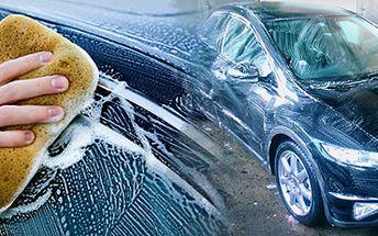 PEČLIVÉ RUČNÍ ČIŠTĚNÍ AUTA (interiéru, nebo exteriéru) s 51% slevou!! Moderní renovující autokosmetika Porzelack!! Dopřejte si opět ten úžasný pocit jízdy v novém, navoněném autě!! Ušetřete 800 Kč!! Při čištění exteriéru v ceně renovace laku a případných oděrek!!