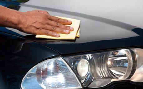 RUČNÍ MYTÍ automobilu včetně prahů a hran dveří Pečujte o svého plechového miláčka a dopřejte mu: mytí karoserie, ošetření gum a pryží, vyčištění disků, ošetření pneumatiky, provonění interiéru a mnohem víc.