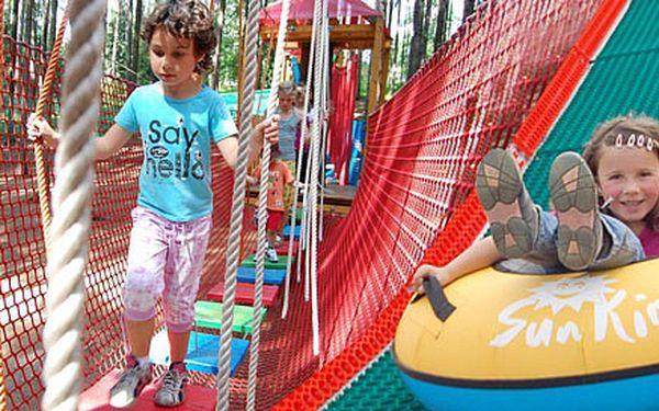 5x sjezd na koloběžce a výjezd lanovkou Zbojník v Beskydech NEBO 5 vstupů do dětského lanového parku. Na výběr i balíček koloběžky + lanový park.
