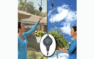 Pečujte o kytky pohodlněji! Skvělý pomocník Easy Reach pomůže s údržbou a zaléváním rostlin snadno a rychle. Proč se namáhat s těžkou konvicí, když stačí jeden pohyb?