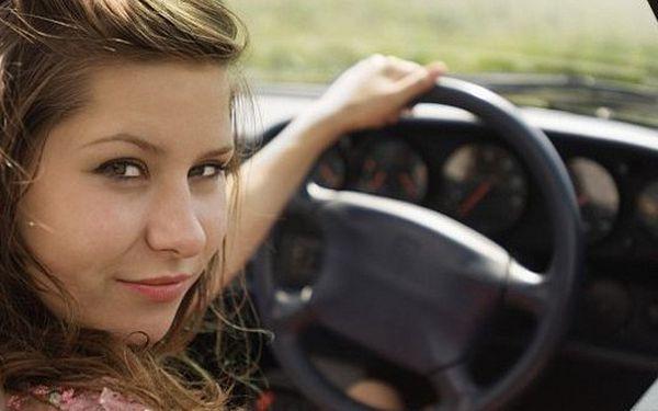 799 Kč za kompletní servis a plnění klimatizace. Chladivo, olej a barvivo do klimatizace, dezinfekce výdechových otvorů uvnitř vozidla..