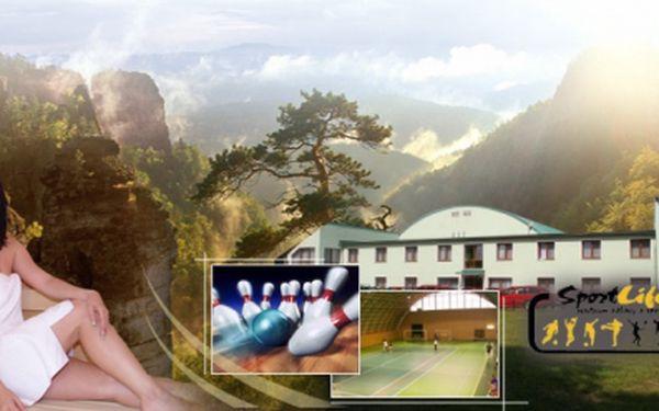 Třídenní sportovně relaxační pobyt pro DVA v Českém Švýcarsku se slevou 50%! V ceně 2590 Kč si užijete SAUNU s vířivkou, bowling, badminton nebo squash a samozřejmě ubytování ve dvoulůžkovém pokoji s POLOPENZÍ!