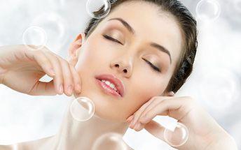 LIFTING celého obličeje s použitím 24karátového zlata Lifting obličeje s 24karátovým zlatem, koenzymem Q10, kolagenem a kyselinou hyaluronovou. Pokožka omládne, zpevní a vyhladí se již po prvním ošetření.
