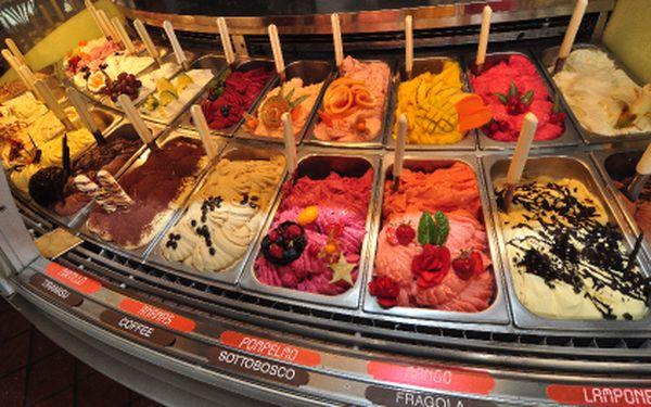 Zmrzlinový pohár nejrozmanitějších příchutí s toppingem a prvotřídní KÁVA jen za 67,-. Ochutnejte PRAVOU ITALSKOU ZMRZLINU Cream&Dream v centru Prahy a poznáte, proč je tak vyhlášená. Zmrzlina k slunnému počasí a toulkám po Praze rozhodně patří.