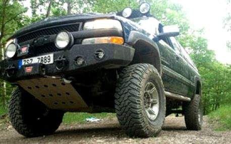 Zapomeňte na Hummer a vyzkoušejte vyproštovací vozidlo záchranných složek CHEVROLET SILVERADO. Se slevou 86% za 999,- Kč!!!