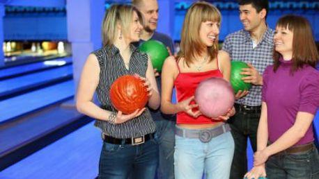 Bowling, 2 piva a celá pizza! Užijte si hru až pro 8 osob na 2 hodiny. Odreagujte se!