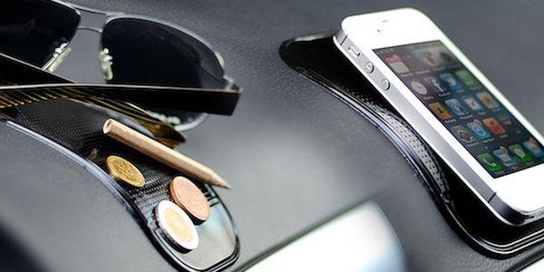 5 protiskluzových podložek do auta včetně doručení