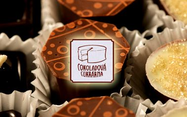 16 ručně vyrobených čerstvých čokoládových pralinek v dárkové krabičce!