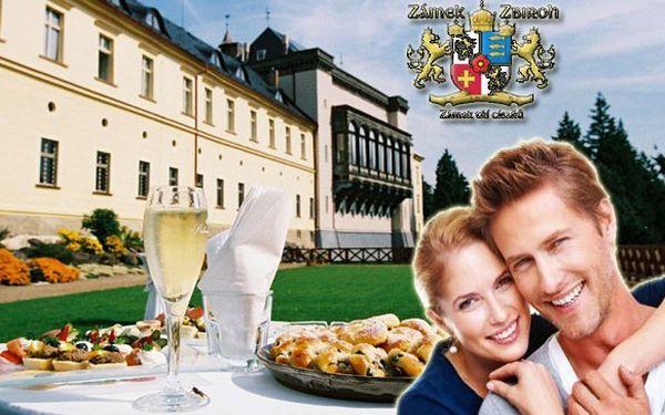 Romantický pobytový balíček na zámku Zbiroh se zámeckými snídaněmi, golfem a balíčkem bonusů.