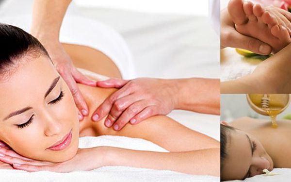 Pemanentka na 4 x 45 minut masáží dle vašeho výběru se slevou 60% - 1 masáž vás vyjde na 229 Kč - přímo u metra