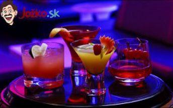 Osviežujúci ovocný koktail podľa Vášho výberu MOJITO, PINA COLADA alebo CUBA LIBRE v luxusne zariadenom bare Hotela Gaudio***. Vychutnajte si letné počasie a zažite príjemné posedenie s priateľmi pri miešaných nápojoch.