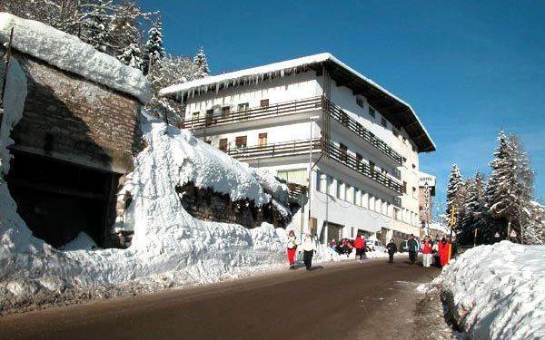 Hotel Augustus Monte Bondone - 5denní lyžařský balíček