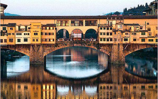 4 dny spolopenzí pro jednu osobu vmoderním hotelu Ambrosiano za 2623 Kč. Poznejte krásy nedaleké Florencie, Pisy a Sieny.