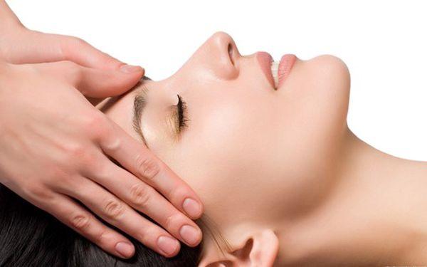 Liftingová masáž obličeje a dekoltu za 190 Kč