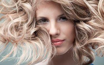 Kompletní balíček 6 luxusních kadeřnických služeb včetně střihu, melíru nebo barvy L'Oréal a vyživující masky.