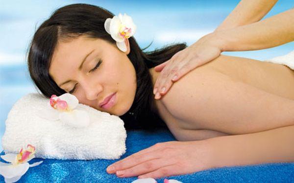 Oddych a relax pri jednej z troch masáží v MasExpres. Hodinová masáž lávovými kameňmi, medová alebo relaxačná masáž už od 10 € po 50% zľave.