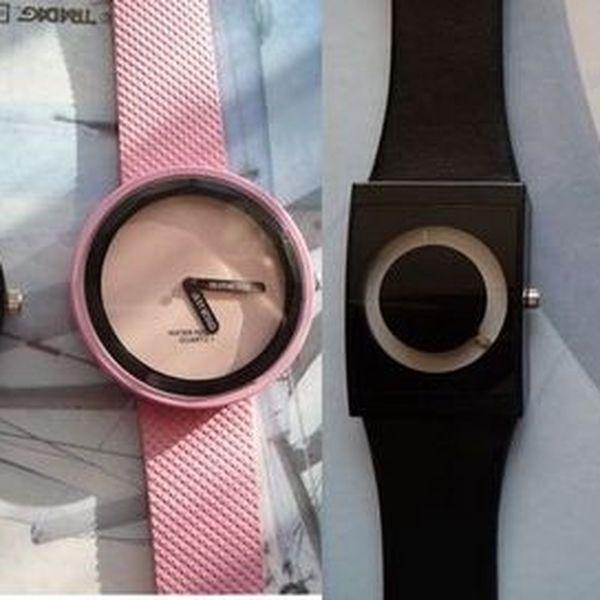 TOTÁLNÍ VÝPRODEJ: 50 Kč za stylové hodinky! Výběr ze 2 druhů a barev. Vhodné na dovolenou i na běžné nošení. Levněji už to opravdu nejde...