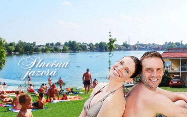 Renomovaná slovenská CK SATUR nabízí pobyt v samostatných apartmánech u jezera v areálu Seneckých jezer! Jen 999 Kč za noc a v ceně 4 permanentky do areálu jezer!