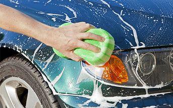 Len 16 € po 59% zľave za kompletné ručné umytie exteriéru a interiéru auta s teflonovým voskovaním karosérie a vystriekaním podvozku.