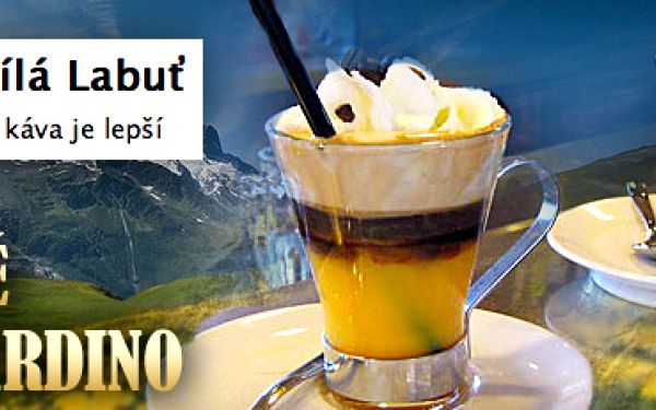 2x BOMBARDINO, LETNÍ VERZE za 75 Kč!! Skvělý a populární italský lomcovák ve variantě pro horké letní dny se slevou 51 %!! Základem je káva, led, vaječný koňak, whiskey a šlehačka!!