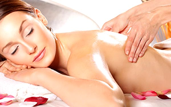 Exkluzivní masáž zad a šíje pro dvě osoby. Dopřejte si uvolňující relaxaci 2x 60 min!