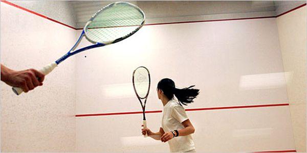 Hodina squashe v SPORTCENTRU STRAHOV za letních 99 Kč! Platnost do konce září!!!