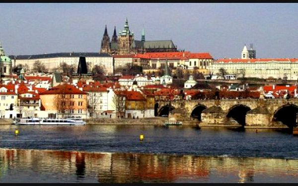 PRAHA JE KRÁSNÁ - 3 dny (2 noci) v krásném hotelu PAWLOVNIA*** s bohatými snídaněmi a bezplatným bazénem. Až do 15.12.2012 za 1999 CZK pro 2.