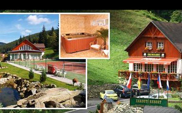 Vyrazte do Krkonoš v létě, na podzim či v zimě se 45% slevou: 3 dny pro 2 osoby v rodinném penzionu v Peci pod Sněžkou + bohatá polopenze pro každého! Jen za 1549 Kč!