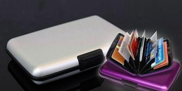 Luxusní kufřík na vizitky nebo kreditní karty za 165 Kč vč. poštovného! Prostorově úsporné, inteligentní, odolné a lehké pouzdro. Praktický nerozbitné a bezpečné!