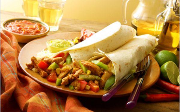 Tomatová polévka spestem, 250g plněná tortilla kuřecím nebo vepřovým masem sdresinkem + hranolky a pivo nebo kofola.