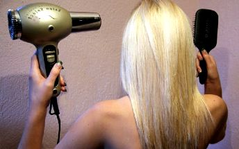 BOTOX NA VLASY L´ORÉAL- hloubková regenerace, masáž hlavy a konečná úprava vlasů za jedinečných 380 kč. Oslňte krásnými pevnými vlasy s nevídanou slevou v Chomutově!