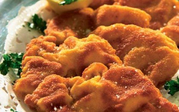Dopřejte si 1000 gramů kuřecích řízků s chlebem hořčicí, kečupem a tatarkou jen za 165 Kč! Sleva 65% na kopu skvělého jídla!
